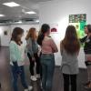 Die Kunst AG-Schülergruppe der Werkrealschule im Seefälle besucht die Ausstellung.