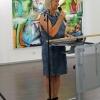 Sabine Schäfer-Gold eröffnet die Ausstellung.