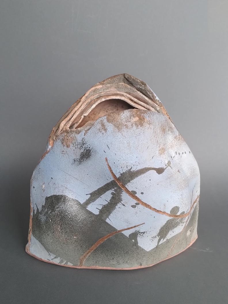 Elke Steiger: Ohne Titel, Steinzeug, Engobe, 1230°, 31 x 30 x 16 cm